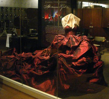 Carrie Underwood Gown - Country Music Hall of Fame