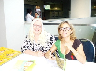 ALA 2010 Amy Sedaris Book Signing - image by M. Kaddell